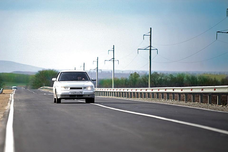 На 1 августа 2014 года в крае отремонтировано 142,9 км трасс регионального значения, 63 000 квадратных метров дорог местного значения.