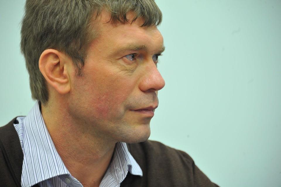 Олег Царев посоветовал беженцам пока отложить возвращение на родину Фото: архив КП