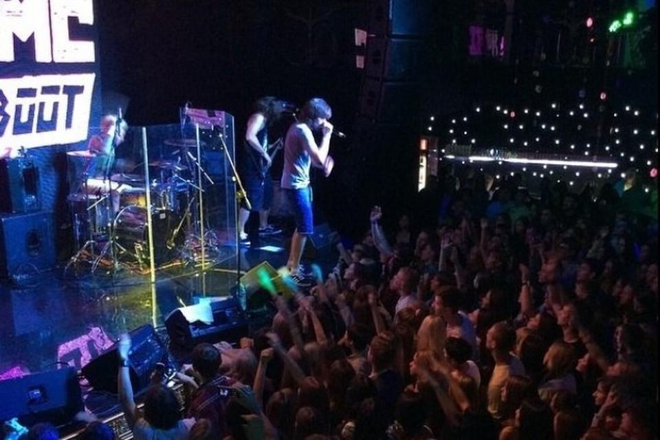 Noize MC в Ижевске отыграл концерт после болезни фото: Noize MC