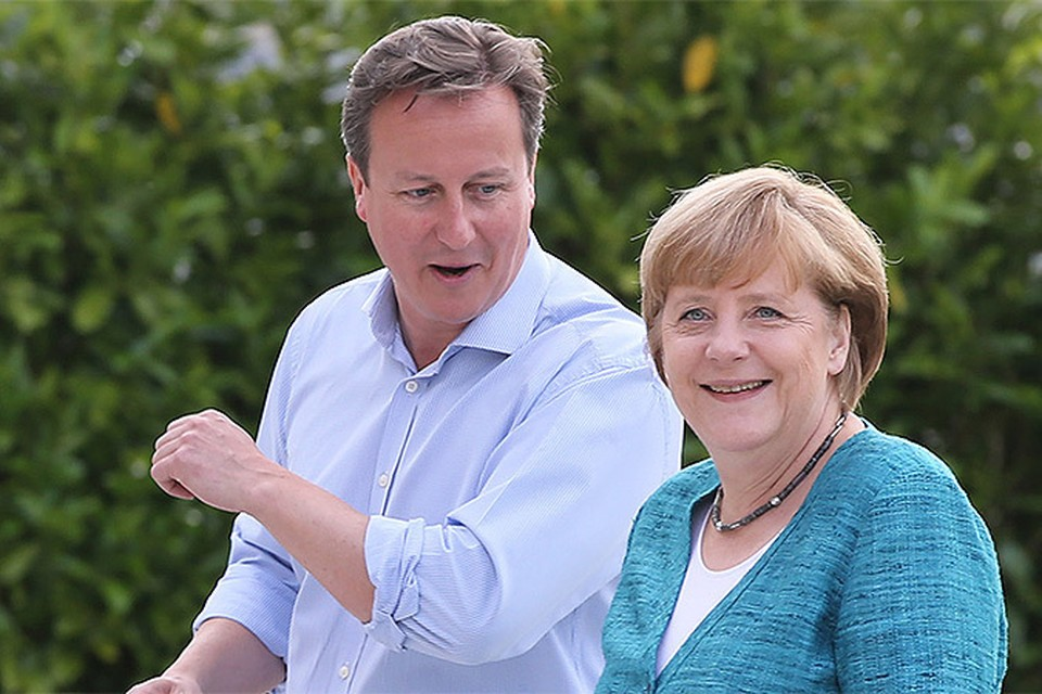 """Меркель пообещала выгнать Кэмерона из """"своей песочницы"""" за"""" жадность"""""""