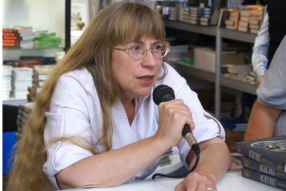 Еще в 2006 году русская писательница, живущая во Франции, опубликовала книгу с провокационным названием - «Мечеть парижской Богоматери»