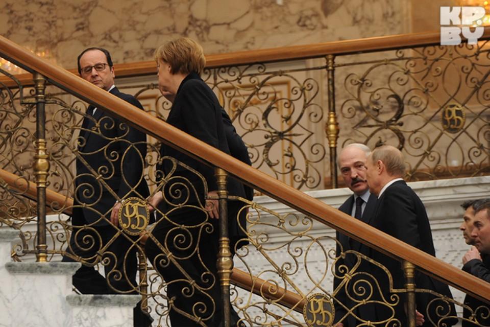 Главы государств провели за столом переговоров более 13 часов.