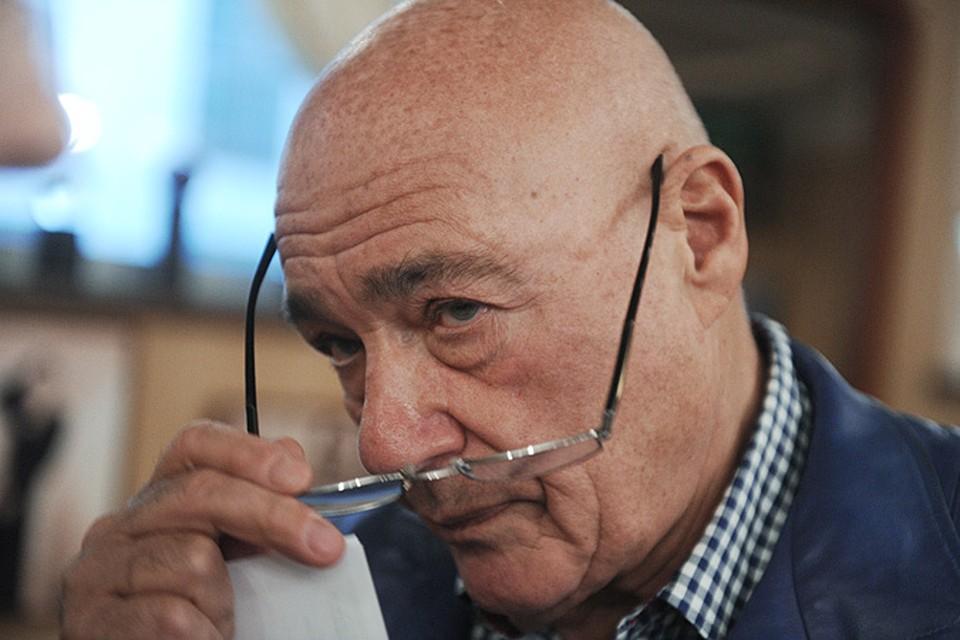 На своем сайте телеведущий Владимир Познер поделился своими мыслями о гибели Бориса Ефимовича