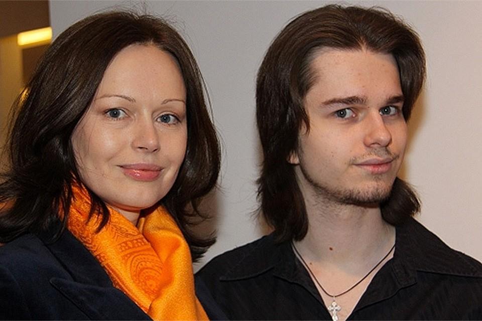Ирина Безрукова и сын Андрей
