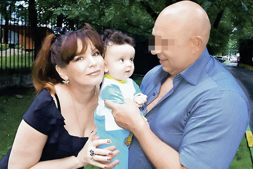 Гражданский муж Анны Лесниковой Юрий воспитывал Данилу как родного сына. И не догадывался, что мальчик - от Немцова.