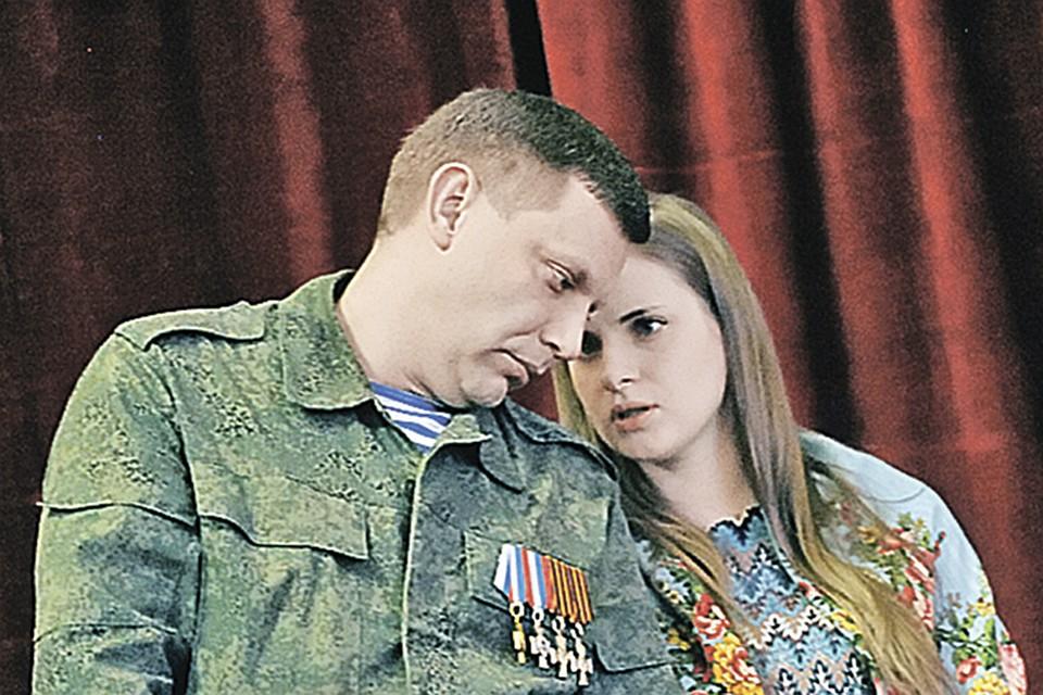 santehnika-dom-golodniy-muzhik-vstavil-zhene-devushki