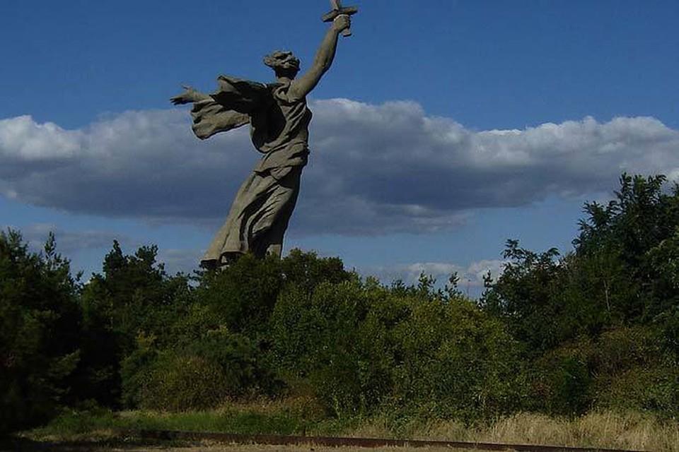 """Монумент """"Родина-мать зовет!"""" убрали из списка уродливых. Фото Александра Березина"""