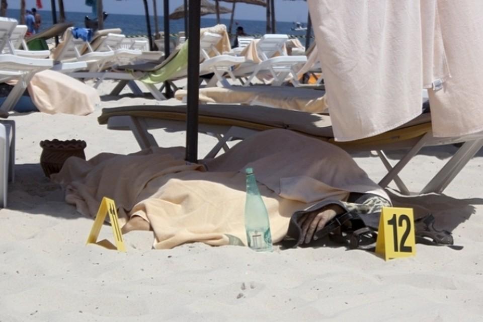 Террористы сначала атаковали туристов на пляже, а затем ворвались в здание гостиницы Riu Imperial Marhaba