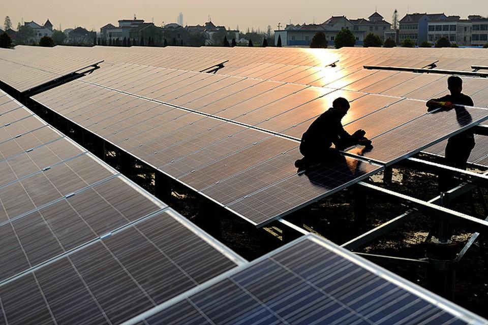 Освещать и отапливать наши дома за счет энергии Солнца и ветра - реально. Почему мы этого не делаем?