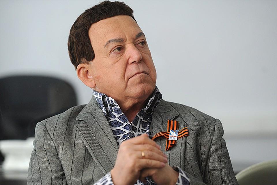 На днях радиостанция «Эхо Москвы» провела опрос: «Стоит ли Европе разрешить въезд Иосифу Кобзону, если ему потребуется лечение?