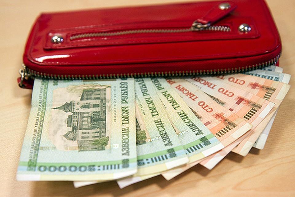 Рубль на минимуме, а инфляция не успевает за девальвацией