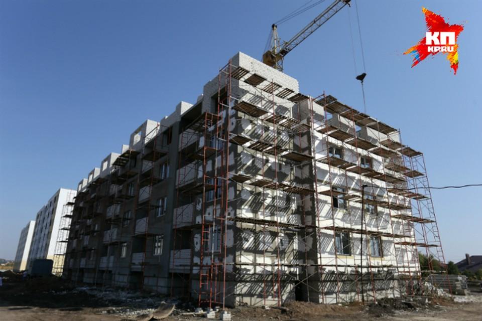 «Саратовоблжилстрой» отстроит 90 тысяч квадратных метров жилья у берега Волги.
