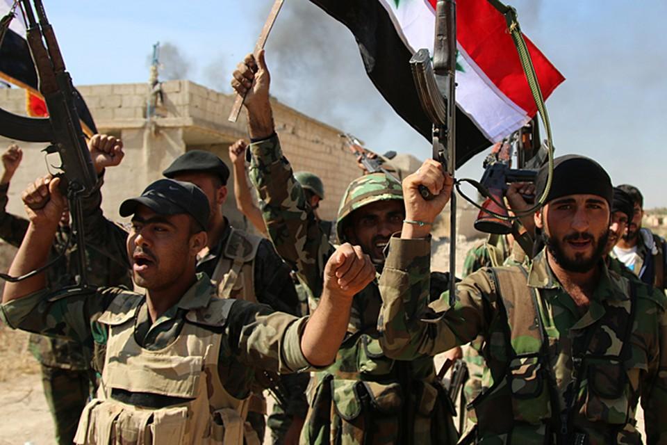 Сирийская армия пытается выдавливать противника на Север, к Ракке. Одновременно отрезая исламистов от границы с Турцией, откуда идет снабжение боевиков