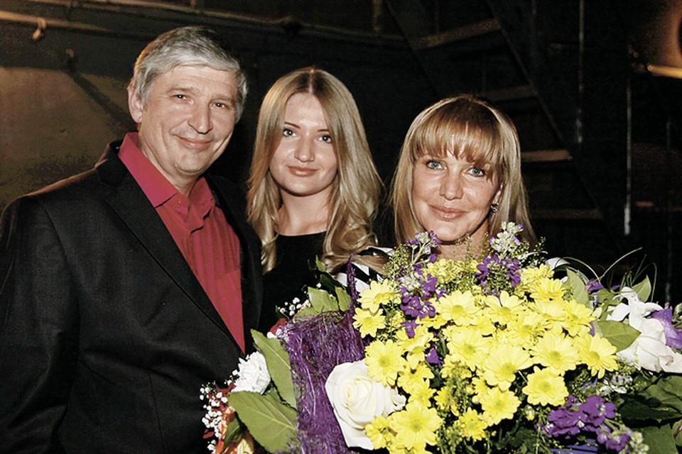 В браке у супругов родилась дочь Полина.