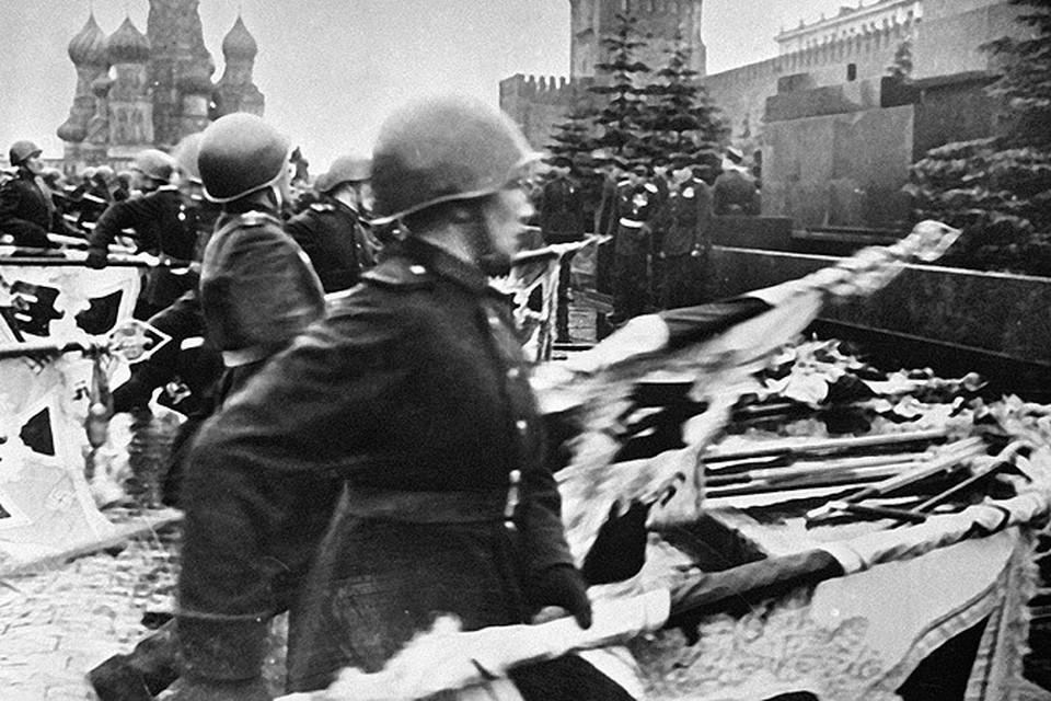 С началом холодной войны перед США и Великобританией встала насущная задача не просто обесценить победу Советского Союза, а полностью исключить наш народ из списка победителей.