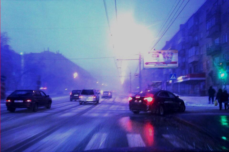 Гроза в декабре в Новосибирске произошла впервые в истории метеонаблюдений. Фото: Вячеслав БОРОДИН
