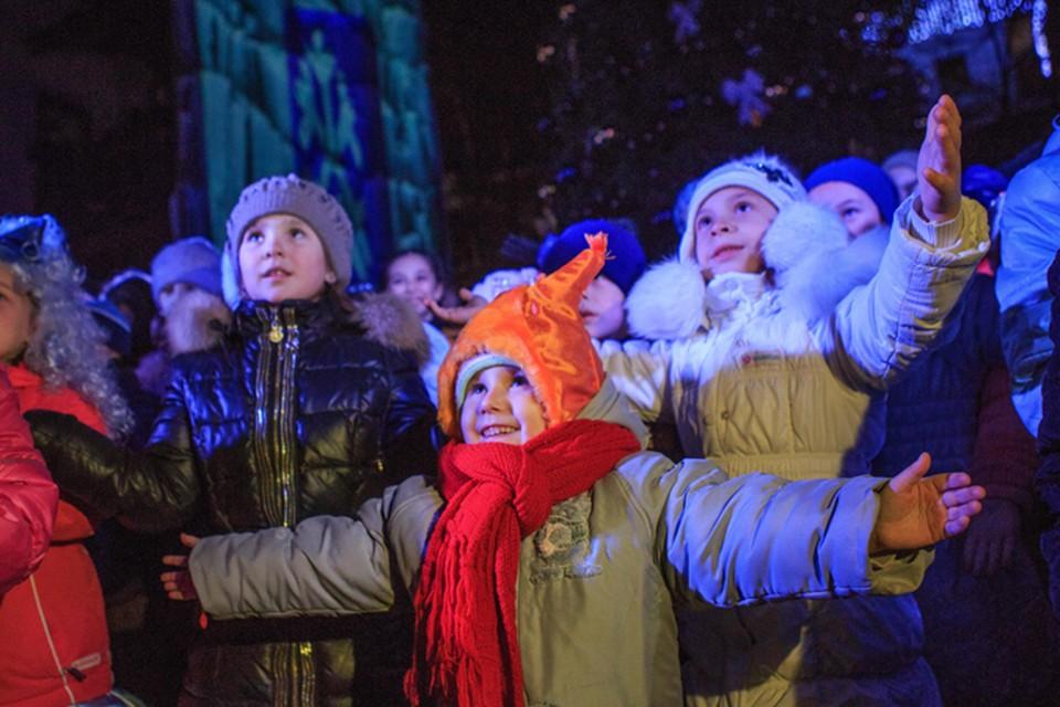 А еще Старый Новый год - повод увидеть больше улыбок на лицах детей