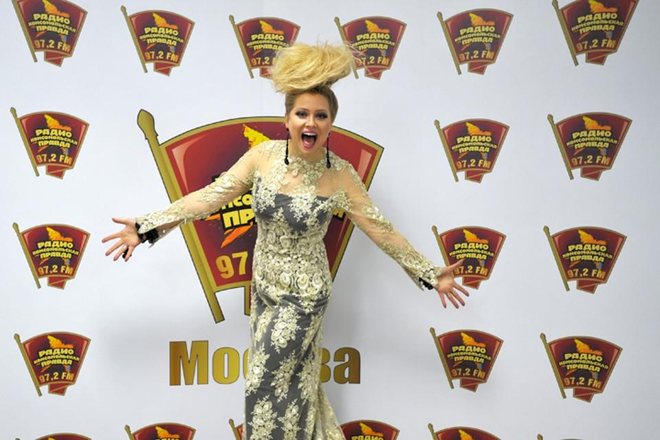 Писательница и бизнес-леди рассказала Радио «Комсомольская правда» о причинах своего переезда из Парижа в Москву