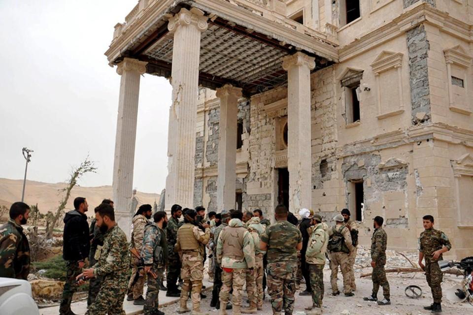 Древний город Пальмира, основанный еще царем Соломоном почти 3 тысячи лет назад, и служивший визитной карточкой исторической Сирии, наконец освобожден