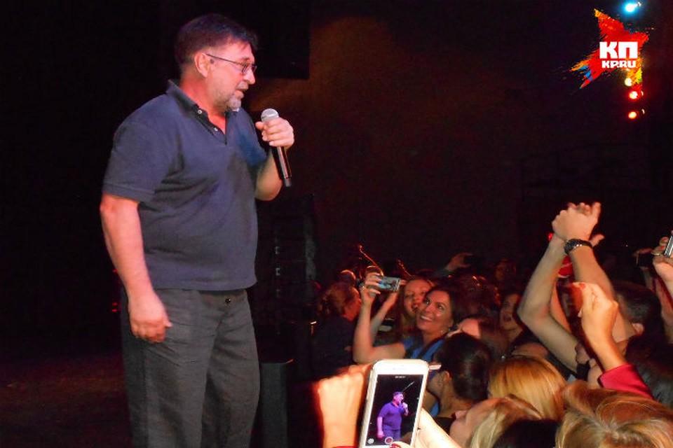 """В Майами под легендарный хит  Шевчука """"Хиппаны"""" танцевал весь тысячный зал. Фото: Эдуард ГЛЕЗИН."""
