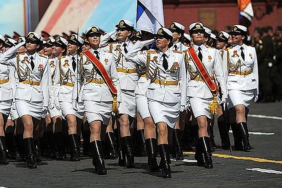 Военно служашие девки в мини юбки фото 637-695