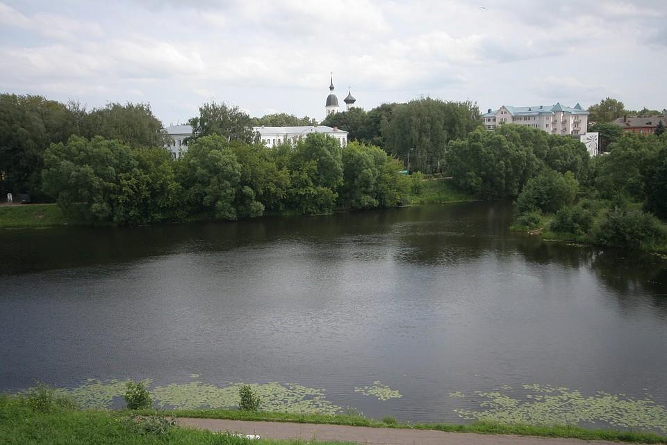 московский кредитный банк великие луки курс евро автосалоны москвы продажа в кредит