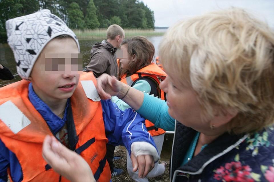 Девчонки и мальчишки могли стать жертвой чьей-то жадности. Фото: Игорь Подгорный/ТАСС