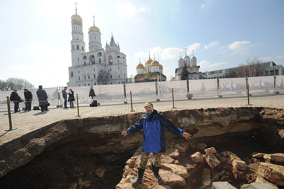 Апрель 2016 года. На месте снесенного 14-го корпуса в Кремле ведутся раскопки.