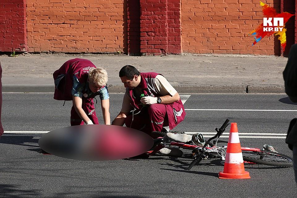 В центре Минска МАЗ насмерть сбил 15-летнюю велосипедистку.