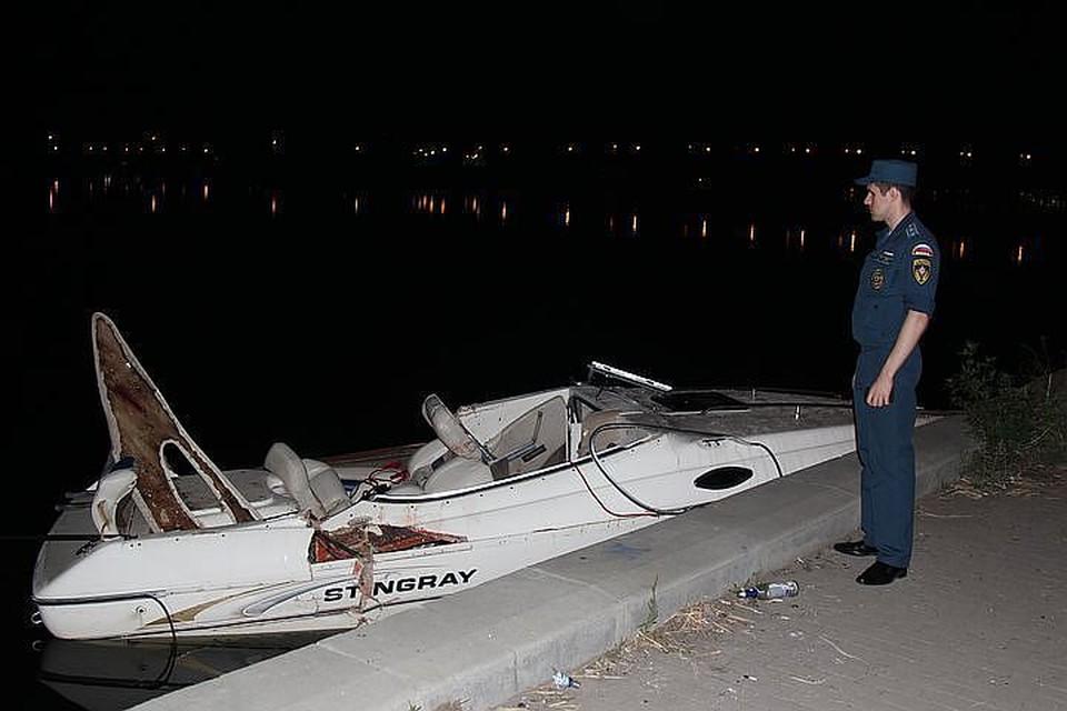 По словам очевидца, второй катер ехал без включенных огней.