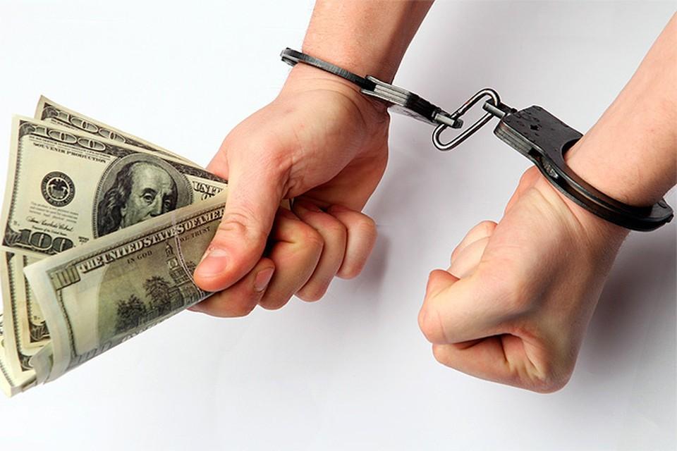 Три топ-менеджера крупных российских компаний обвиняются в даче многомиллионных взяток