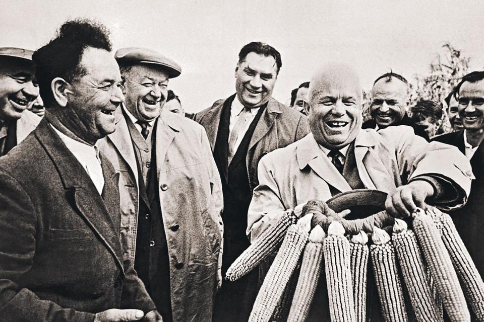 Народу Хрущев запомнился кукурузой и обещанием показать «кузькину мать». Но это все-таки не главные его заслуги. Фото: РИА Новости