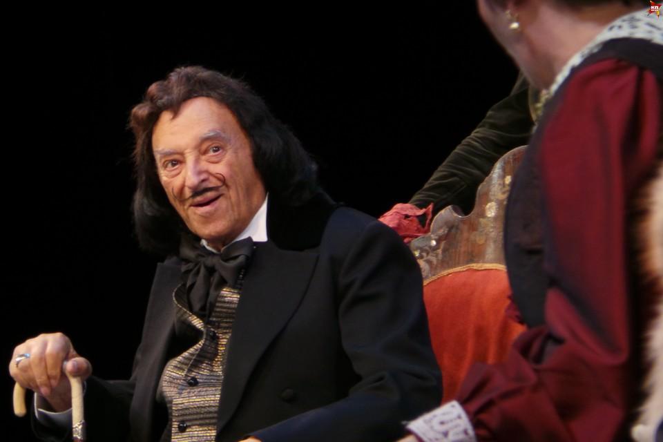 Роль старого Князя 94-летний корифей отечествееной сцены исполняет уже 16 лет