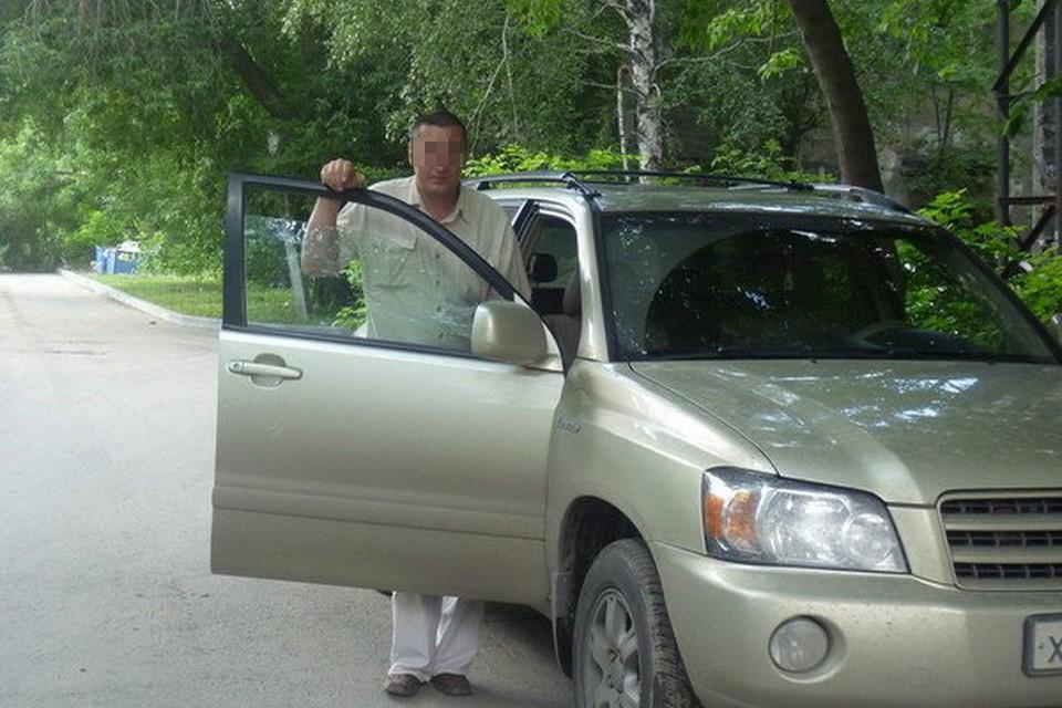 Константину пришлось подрабатывать таксистом, чтобы расплатиться с долгами.