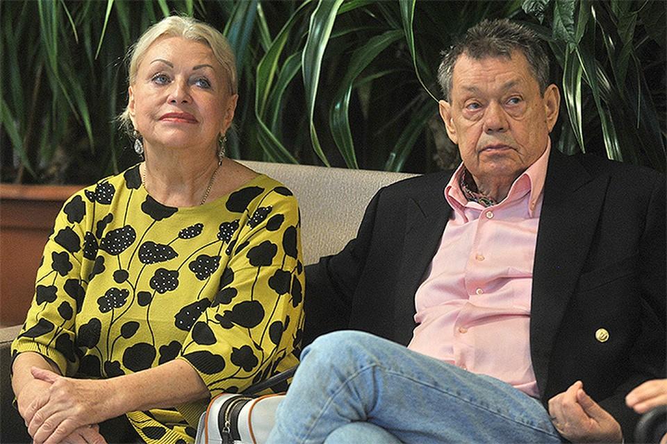 Николай Караченцов и Людмила Поргина на презентации альбома композитора и поэтессы Елены Суржиковой