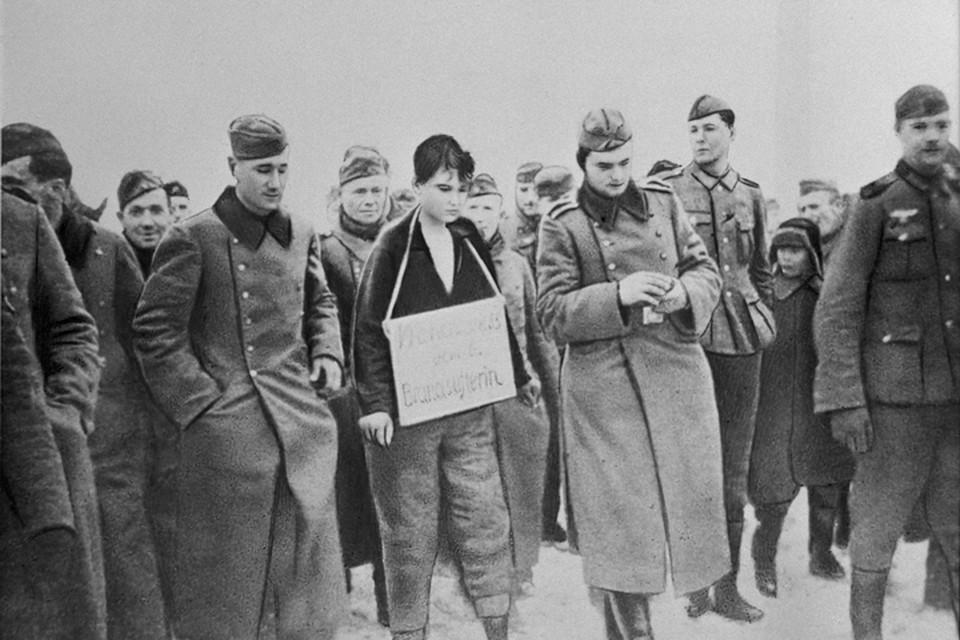 Зою Космодемьянскую немцы повесили