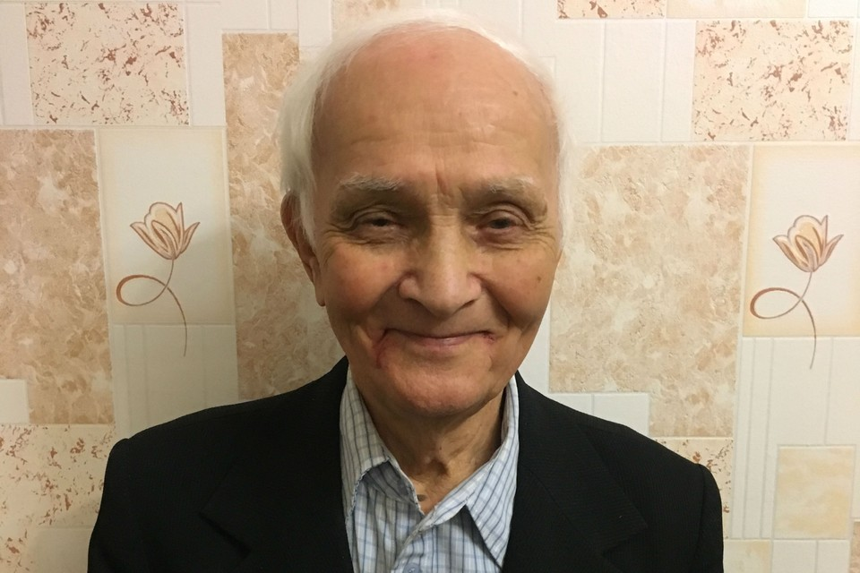 Подпись: В конце войны Владимир Александрович окончил курсы младших лейтенантов. В Самаре 25 лет проработал на ЦСКБ