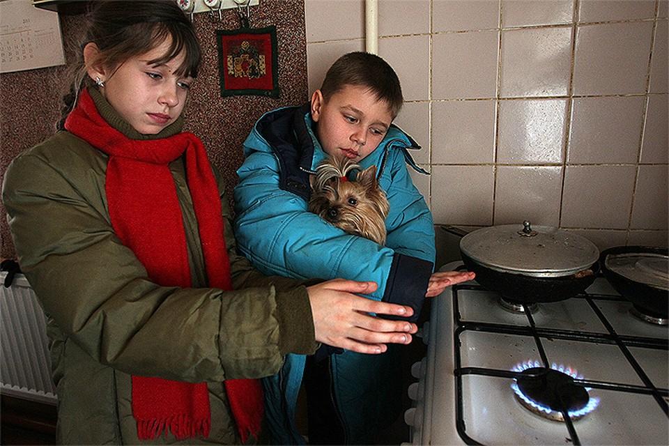 Из-за участившихся взрывов старого газового оборудования поднимается вопрос о запрете использования газовых плит в жилых домах.