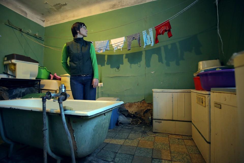 Этой ванной комнатой пользуются одновременно 50 человек.