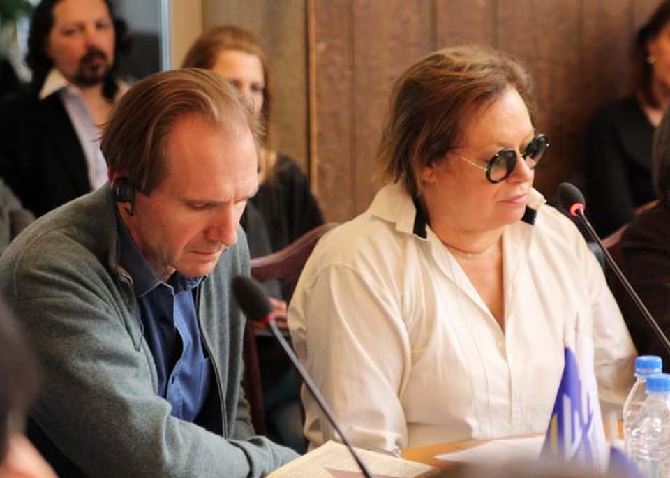Рэйф Файнс и Елена Немировская, основатель МШПИ