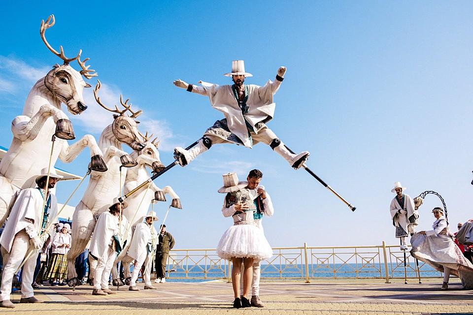 """На набережной крымской Алушты прошел фестиваль современной культуры и экологии """"Алушта.Green"""", главной темой которого является защита африканских животных. Фото: Алиса Косырева"""