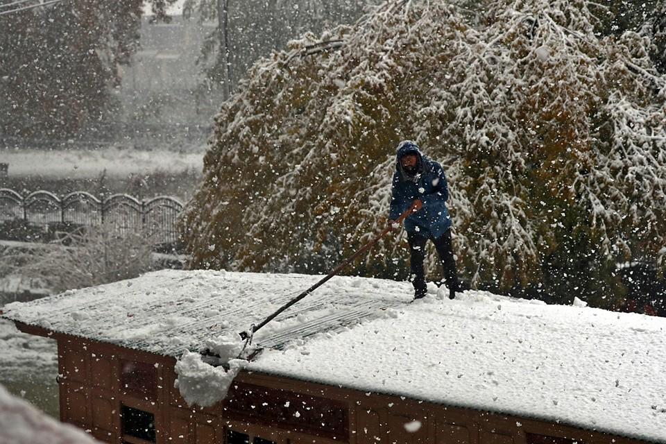 Индийский штат Джамму и Кашмир завалило снегом