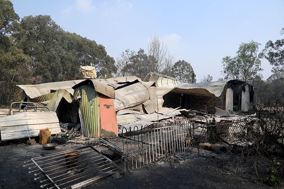 В австралийском штате Новый Южный Уэльс бушуют лесные пожары. Власти объявили чрезвычайное положение. Два миллиона человек готовятся к эвакуации