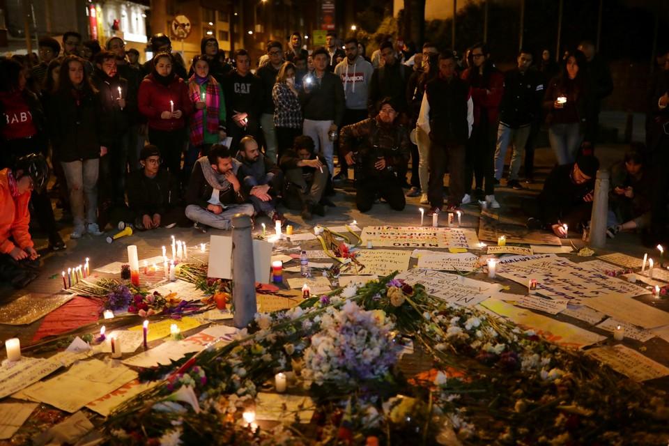 Мемориал на месте гибели одного из участников уличных протестов в Колумбии.