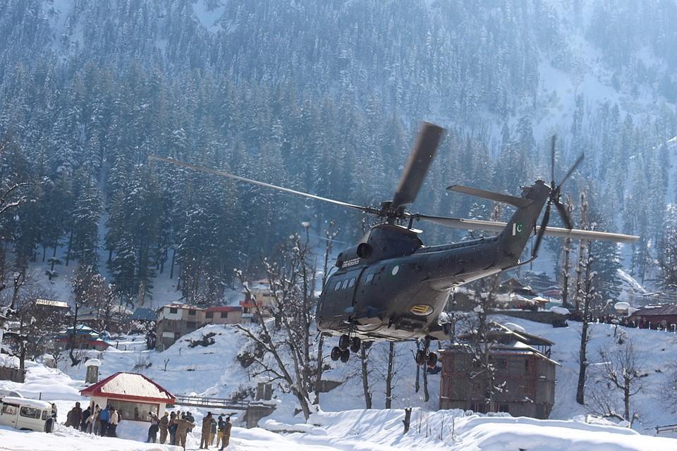 До ста человек возросло количество жертв снегопадов, сильных ливней и схода снежных лавин в Пакистане