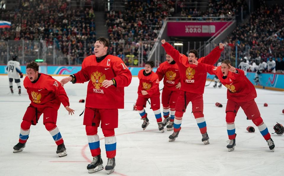 Сборная России по хоккею со счетом 4:0 разгромила команду США в финале юношеских Олимпийских игр в Лозанне.