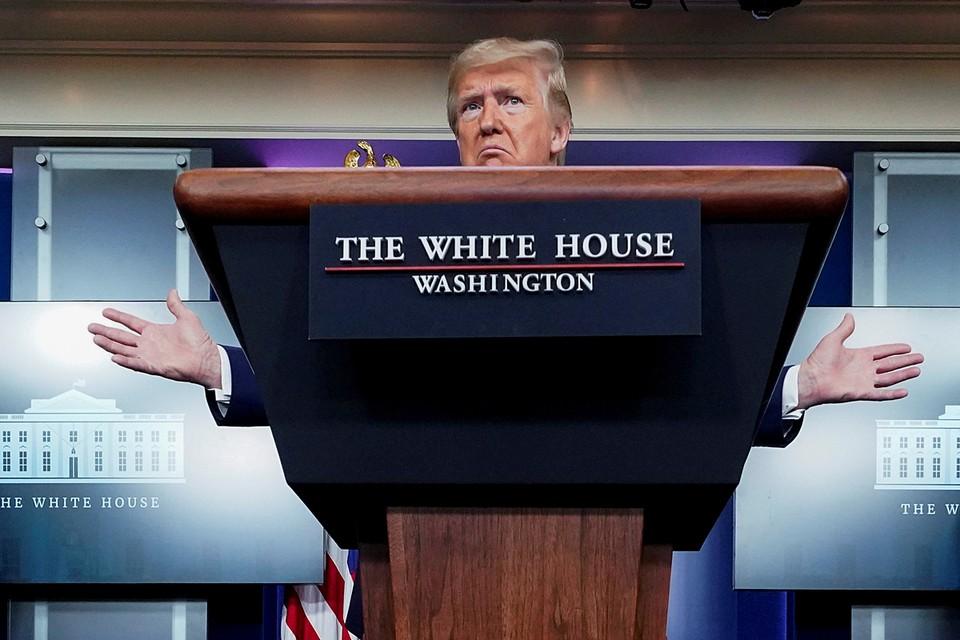 Президент США Дональд Трамп заявил, что начинает видеть свет в конце тоннеля в ситуации с коронавирусом