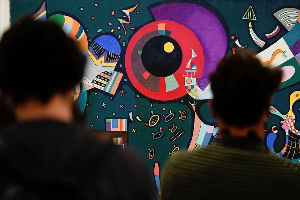 Выставка основателя абстракционизма Василия Кандинского открылась в музее Гуггенхайма в испанском Бильбао