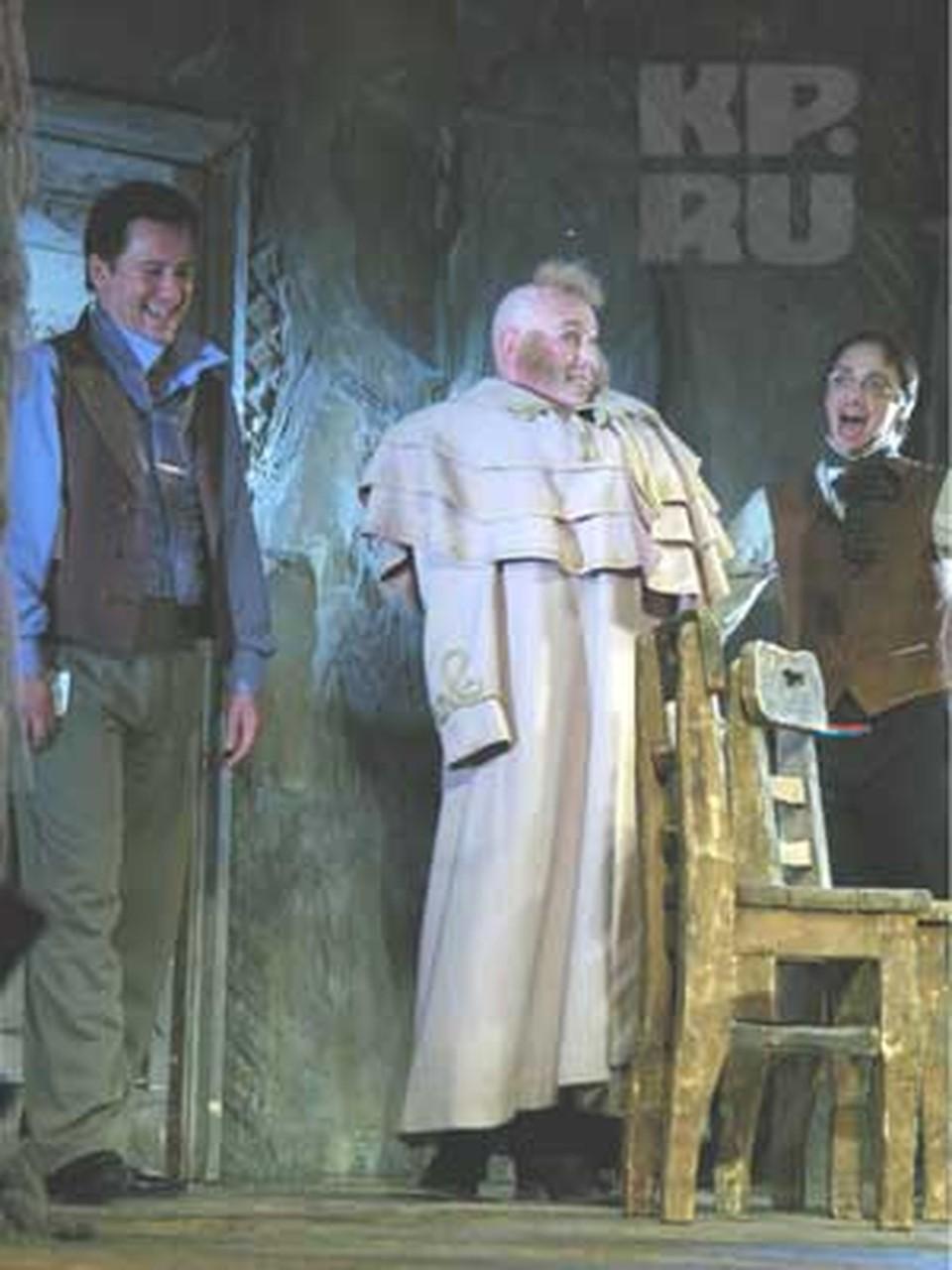 Сухоруков в спектакле «Игроки»