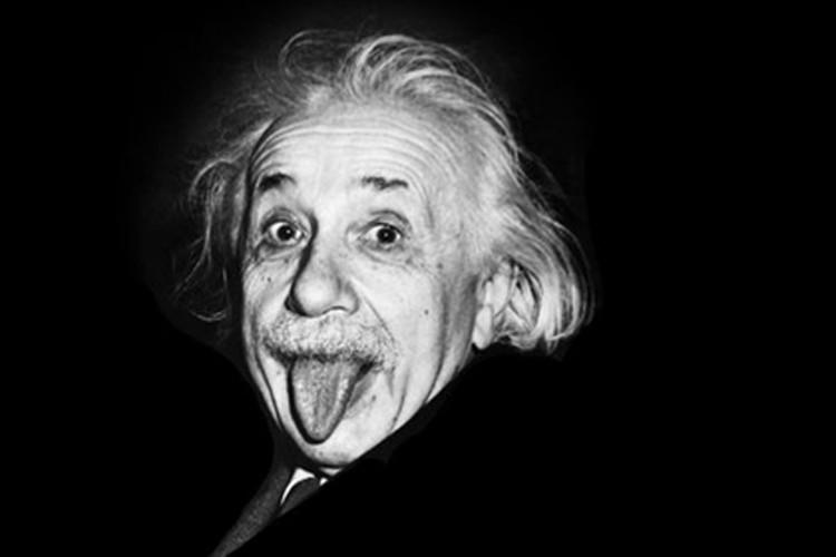 Кто знает, вдруг и в гравитационных волнах Эйнштейн сомневался. А мы их ловим...
